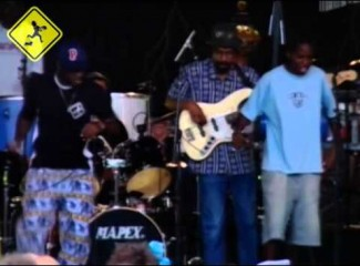 videomoleque-de-rua-no-festival-musiques-metisses-2005-angoleme-france